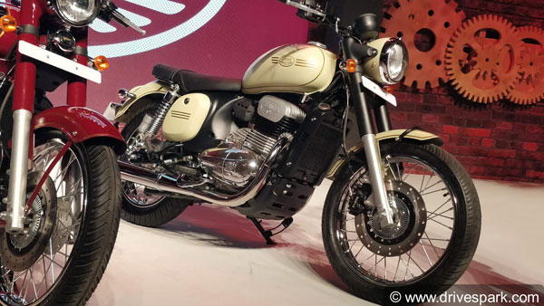 New Jawa 42 Review (First Look): The Affordable Yet Desirable Jawa