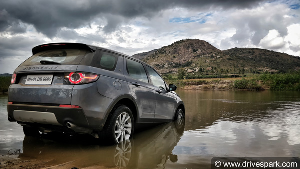 Land Rover Discovery Sport Petrol Review — Has The Baby Discovery Got Its Roots Strong?