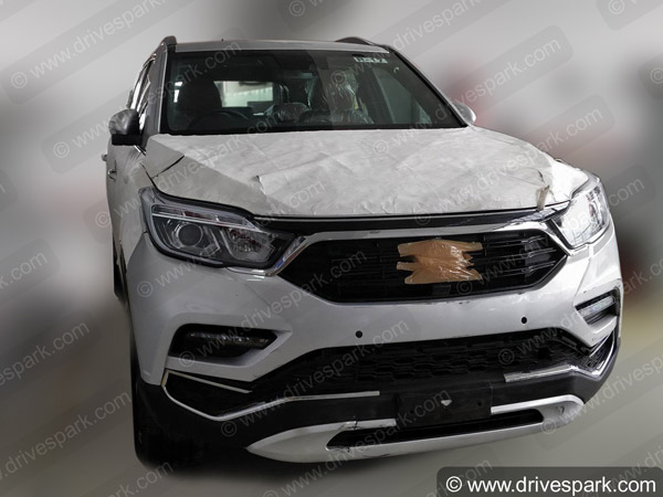 Spy Pics Of Mahindra XUV 700 (Y400): Latest Images Show No Camouflage