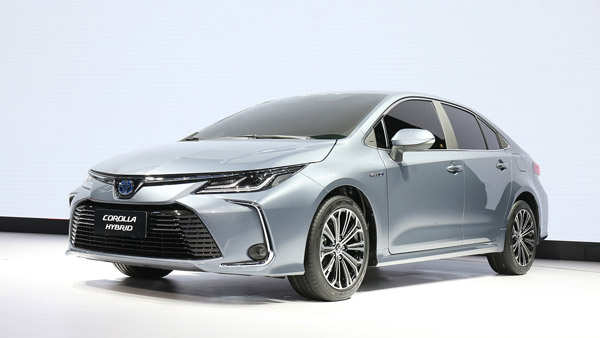 New India-Bound Toyota Corolla unveiled — To Rival The Skoda Octavia
