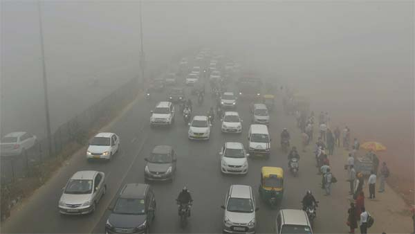Cold Christmas in Delhi with 'severe' air quality