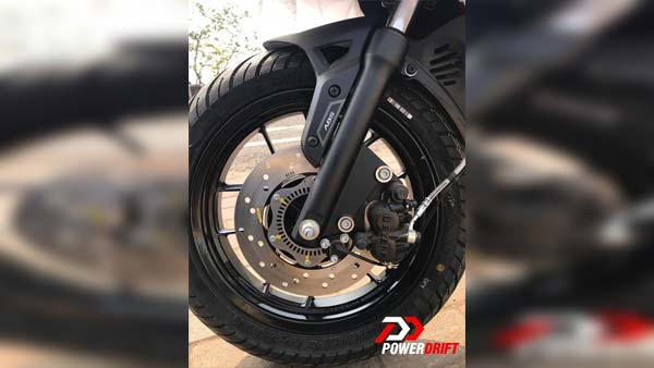 Vespa & Aprilia 150 Spied With ABS: Launch Expected Next Month