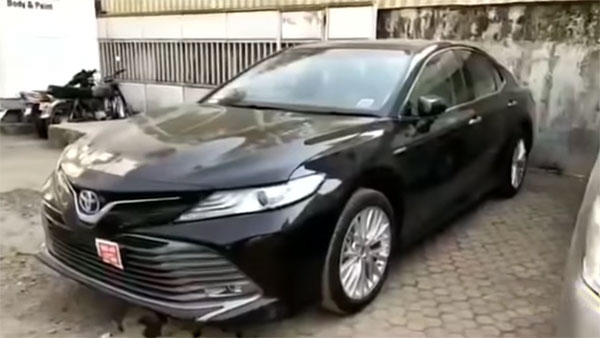 New 2019 Toyota Camry Arrives At Dealerships Ahead Of Launch — Exterior And Interiors Revealed
