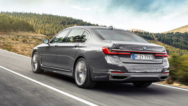 New 2019 BMW 7-Series Unveiled: Flagship Sedan Now Bigger & More Powerful Than Before!