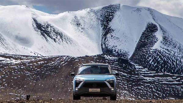 Electric Car Climbs 5,000 Metres Up To Set A New Guinness World Record