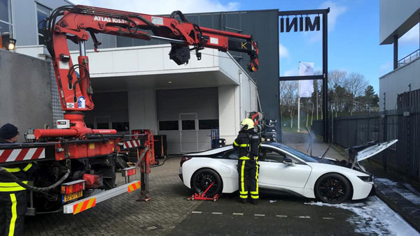 BMW i8 Catches Fire In The Netherlands