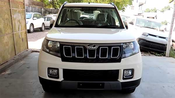 Mahindra TUV300 Facelift Spotted At Dealership Yard — Video