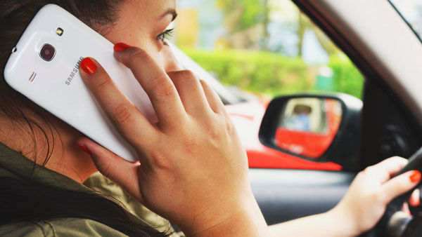 Bangalore Traffic Fines For Using Mobile While Riding