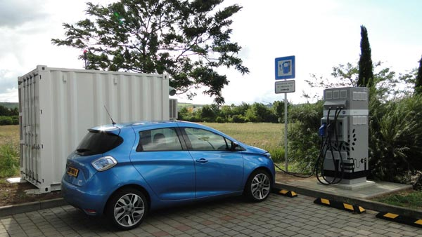 England To Mandate Installation Of EV charging Points In All New Houses — Wise Move Indeed