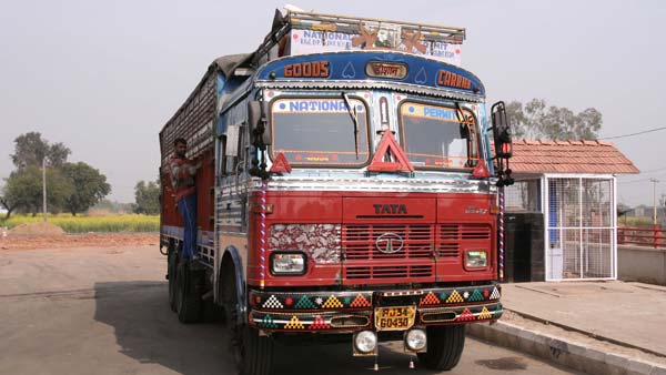 Delhi Truck Driver Pays Highest Traffic Fine In India Till Date: Rs 1.41 lakh Under New MV Act