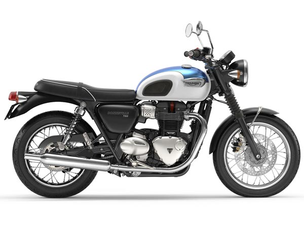 Triumph Diwali Discount Offers & Benefits Available With Select Models