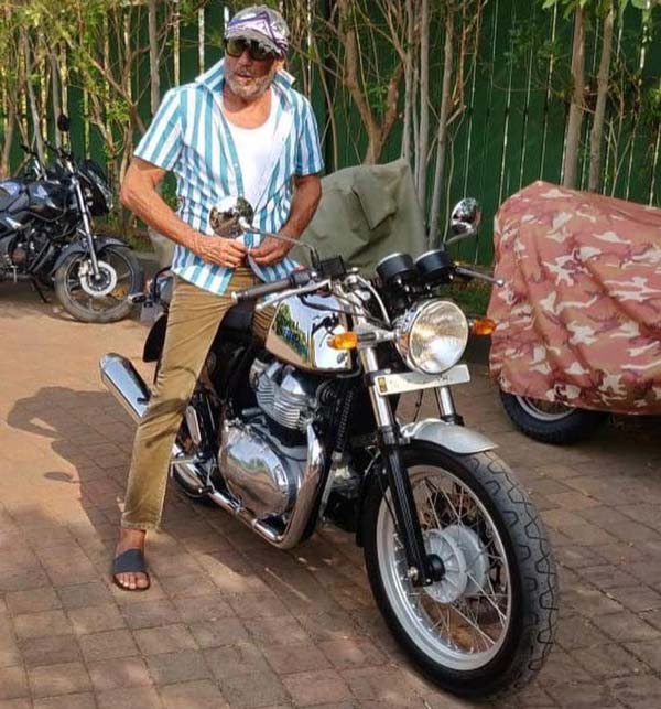 jackie-shroff-buys-royal-enfield-continental-gt-650-chooses-mr-clean-trim2