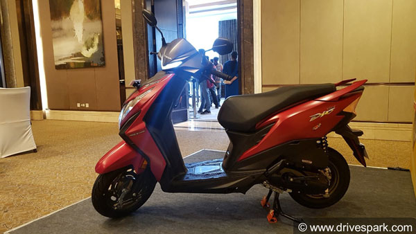 Honda Dio Bs6 Launched In Bangalore At Rs 64 584 Specs Features