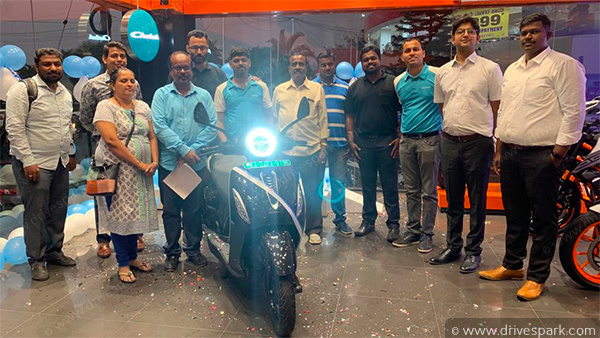 Bajaj Chetak Electric Scooter Bangalore Deliveries Begin: Cities First Customers Opt For Top-Spec 'Premium' Variant