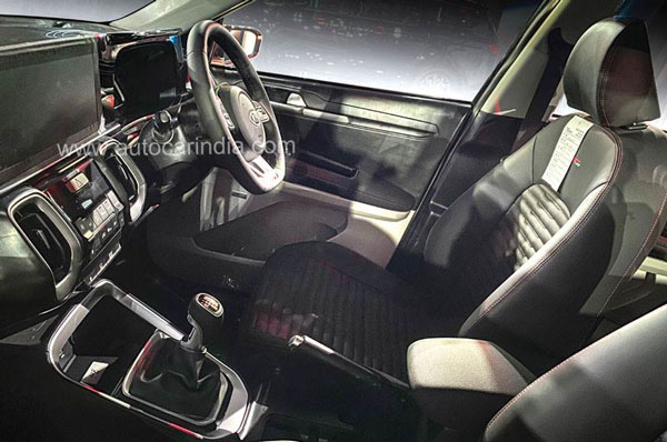 Spy Pics: Kia Sonet Interiors Spied With Flat Bottom Steering Wheel Ahead Of India Launch