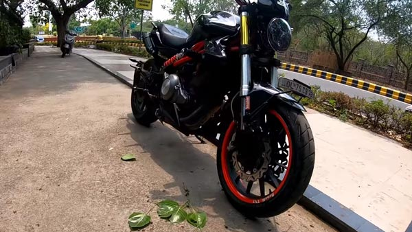 Benelli TNT 300 Modified To Look Like A Ducati Monster By Delhi Based Sans Moto Shop