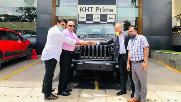 Jeep Wrangler Rubicon Delivered To First Customer In India Details Drivespark News