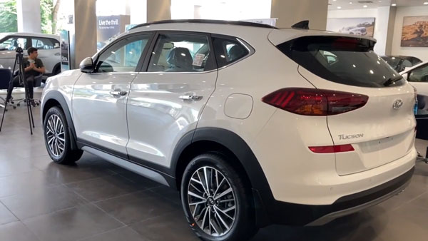 New Hyundai Tucson Facelift Arrives At Dealerships: Revealed In Walkaround Video