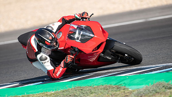 Top Bike News Of The Week: Hornet, Vulcan S, Panigale V2 Launched, Meteor Feature Revealed & More