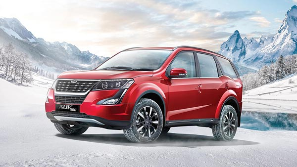2021 Mahindra XUV500 SUV Spotted Testing Revealing Few Features: Spy Pics & Details