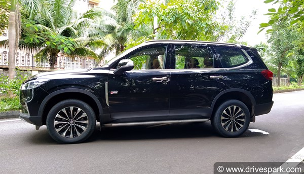 MG Gloster Review (First Drive): The New Luxury Off-Roader SUV In Town!
