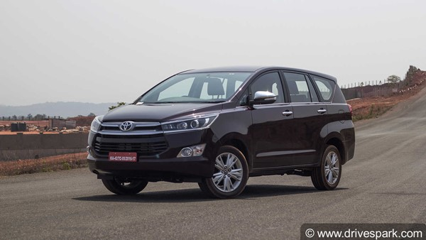 Toyota Innova Crysta Facelift Spotted Next To Current Model: Differences, Features, Specs & Other Details