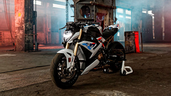 2021 BMW S 1000 R Unveiled: The Dynamic Roadster Enters A New Dimension