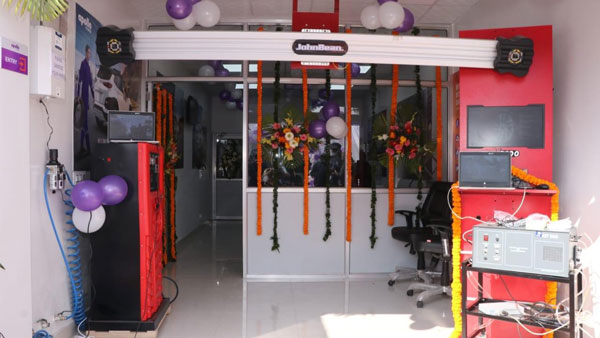 Apollo Specialised Service Center For Tyres Opens In India: Here Are All Details