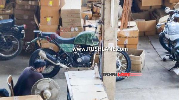 2021 Royal Enfield Himalayan Spotted In A New Shade Of Green At The Dealership: Check It Out!