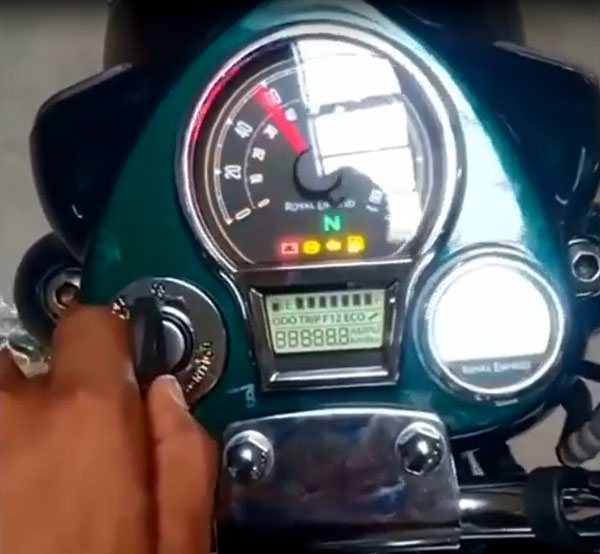 Next-Gen Royal Enfield Classic 350 Digital Instrument Cluster & Tripper Navigation Revealed In Spy Video