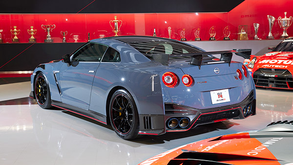 2022 Nissan GT-R Nismo Revealed: Features Aesthetic Changes and Performance Upgrades