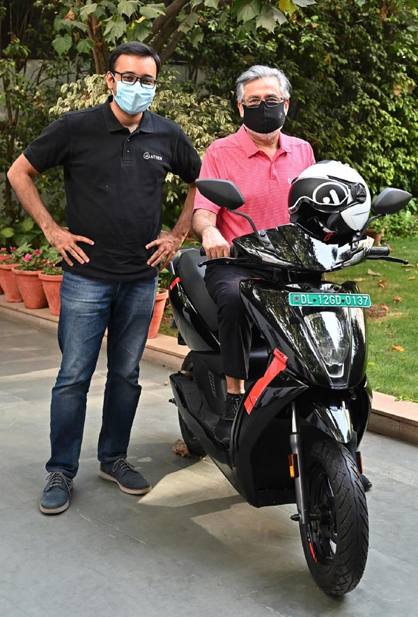 First Ather Electric Scooter Delivered In Delhi To Dr Pawan Munjal: Price, New Updates & Other Details
