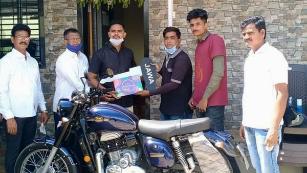 Jawa Gifts Mayur Shelke A Motorcycle For His Bravery: Read More About It!