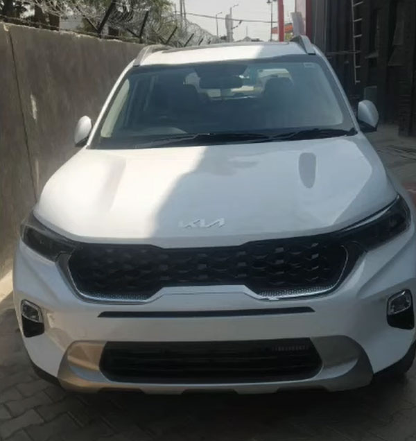 2021 Kia Sonet Spied With Paddle Shifter: Read More To Find Out!