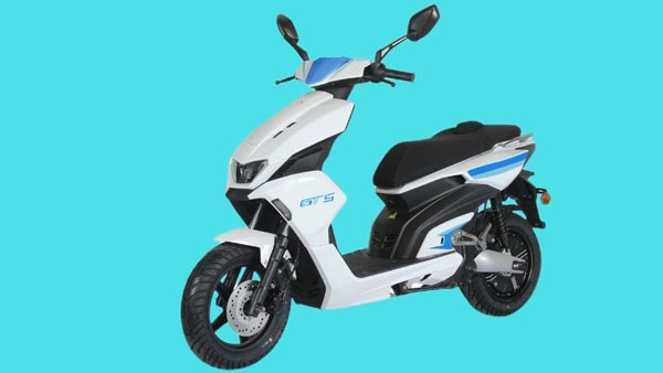White Carbon Motors GT5 Electric Scooter Launched In India Starting At Rs 1.15 Lakh: Design, Specs, Range, Charging & Other Details
