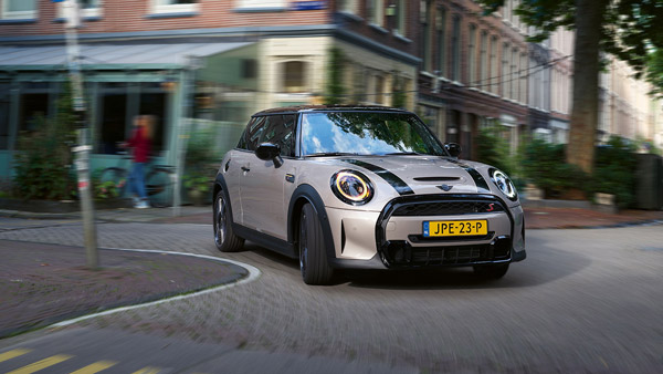 2021 Mini Hatchback, Convertible & John Cooper Works (JCW) Launched In India At Rs 38 Lakh