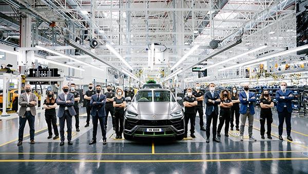 Lamborghini Urus Production Cross 15,000 Units: The Best-Selling Model In The Brand's History