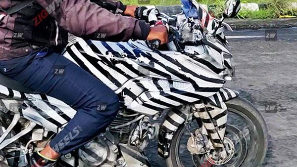 பஜாஜ் பல்சர் 250 & 250 எஃப் வெளியீடு நவம்பரில் எதிர்பார்க்கப்படுகிறது
