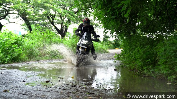 Honda CB200X Review Video — USD Forks & 17bhp: Ideal For Off-Road Usage? Watch The Video!