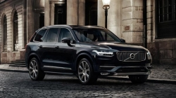 Volvo Xc90 Inscription Plug In Hybrid Petrol India Launch Priced Rs 96 65 Lakh