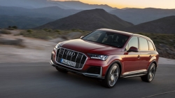 New Audi Q7 Facelift Revealed Design Details Features Specifications