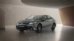 Toyota Camry Hybrid Facelift Unveiled Globally Expected India Launch Updated Details