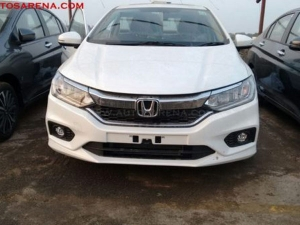 Spy Pics: 2017 Honda City Facelift Spotted At Dealership Yard — Launch Imminent?