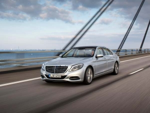 Mercedes S-Class Facelift Debut Set For April — The New Techno Luxury Benchmark?
