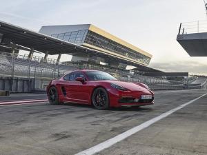 2017 Los Angeles Auto Show: Porsche 718 Cayman GTS Revealed