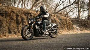2018 Indian Motorcycles Scout Bobber Road Test Review - A Big, Bad, Mean-Looking Cruiser