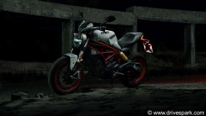 Ducati Monster 797 Road Test Review - The Affordable Little Italian Behemoth