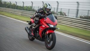 Hero Xtreme 200S First Ride Review — Sporty Commuter Now In A Slick Suit