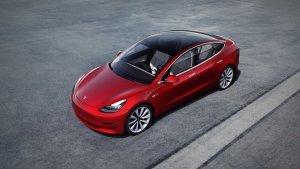 Tesla Autopilot Might Be At Fault In Fatal Tesla Crash According to NTSB Report