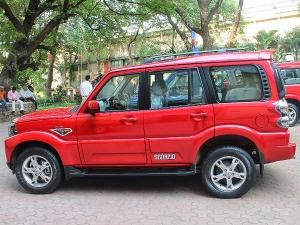 Mahindra Raids Fake Component Manufacturer!